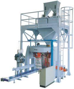 Karuzelowa maszyna pakująca produktu o wadze 25 - 50 kg. W wersji 4 głowic pakujących lub 6 głowic pakujących